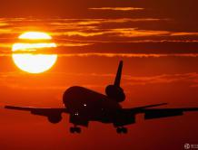 飞行员威胁离婚就驾驶国际航班自杀  被警方及时拦下