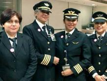 """印度航空推""""全女子航班""""庆祝妇女节"""