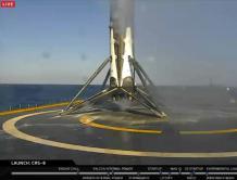 SpaceX成功实现海上回收火箭 人类历史上首次