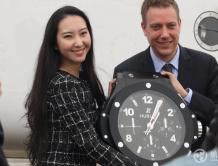 华龙航空联合宇舶表战略合作 发布中国首款公务机腕表