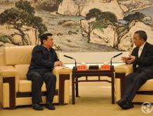 胡春华与冯正霖就加快促进广东民航业发展交换意见