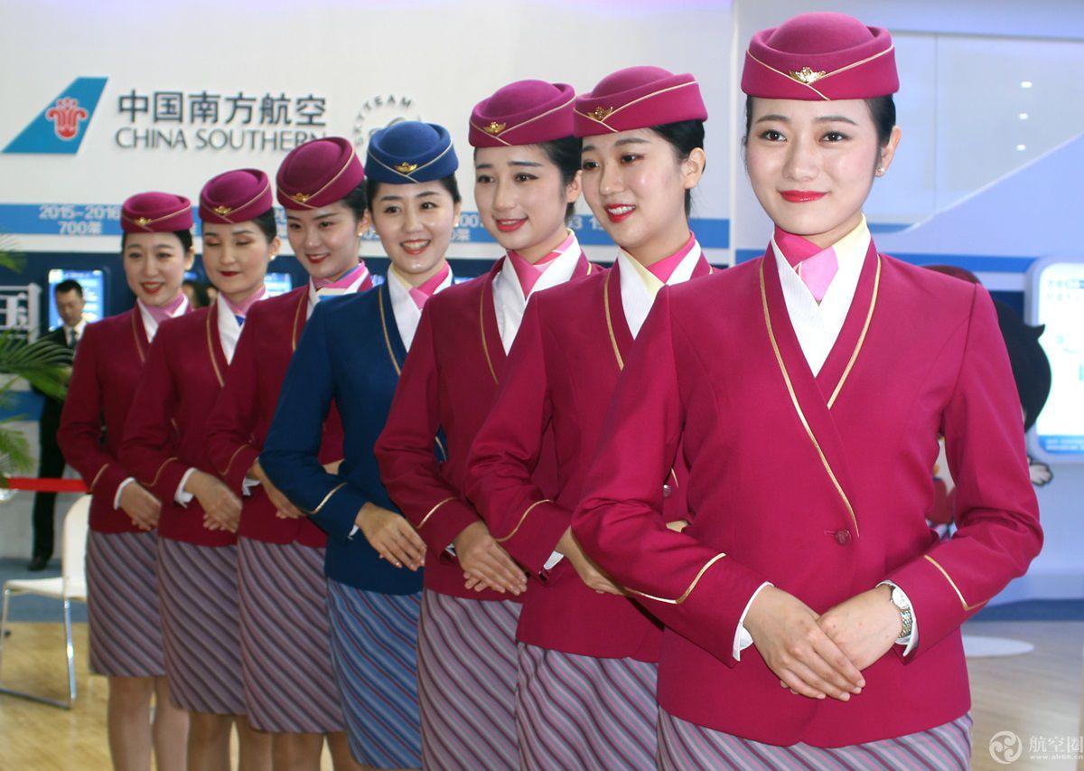 三八节 看看中国哪家航空公司空姐靓图片