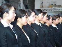 全日空航空2800名新职员入职 空姐抢镜