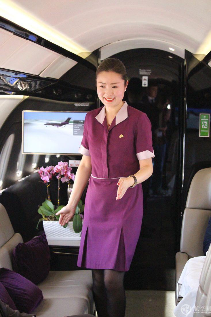 亚空姐照片_亚联公务机空姐待遇 图片合集