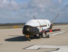 美国秘密太空无人飞机X-37B将首次由猎鹰火箭发射