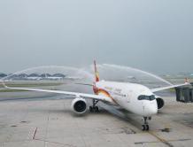 香港航空首架A350客机抵达香港国际机场