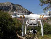 美国调查可能首起与无人机相关的飞机坠毁事件