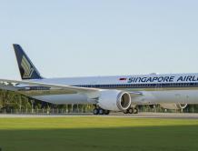 波音向新加坡航空交付世界首架787-10梦想飞机