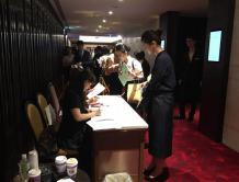 新加坡航空在台湾招聘空姐 月薪10万台币 千人应征
