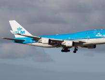 荷兰皇家航空一架波音747一个发动机出问题 返回机场