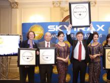 """新加坡航时隔10年,再次荣获""""全球最佳航空公司"""""""