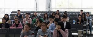 中国学生在俄罗斯一年学费需1800-9500美元