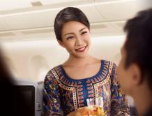 新加坡航空在马来西亚招聘空姐 月薪2.5万元引热议