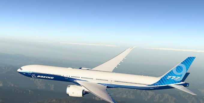波音新型远程宽体飞机波音777X测试时舱门爆炸