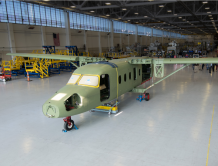 德事隆成功配装第一架赛斯纳408空中快车飞机的机翼与机身