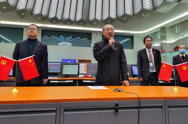 海航集团董事长陈峰赴海航美兰基地慰问员工并调研