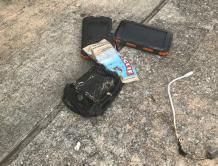 美联航国际航班乘客背包内充电宝起火冒烟 紧急中途降落