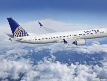 2男子声称在飞机上遭女乘客性侵犯 控告美联航要求赔偿
