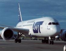 波兰与台湾首次载客直航 波兰航空包机送116名台湾人回家