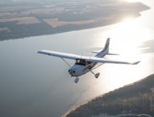 德事隆航空明星机型赛斯纳172庆祝首飞65周年